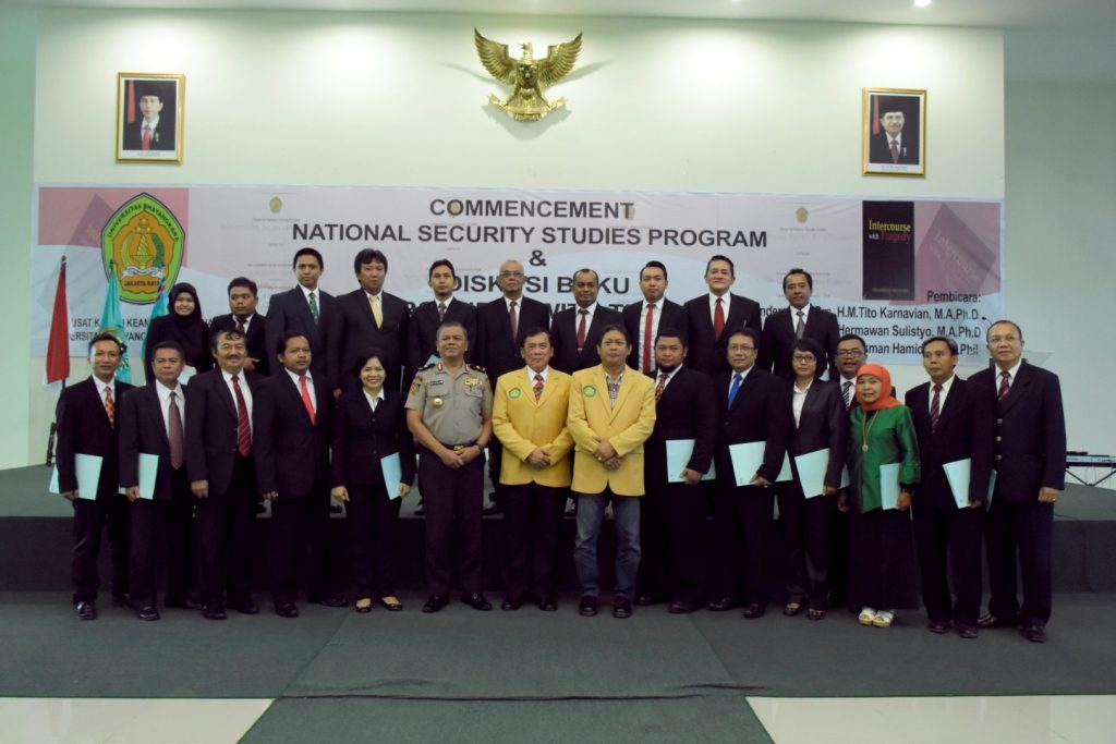 COMMENCEMENT NATIONAL SECURITY STUDIES PROGRAM  UBAHARA JAYA ANGKATAN PERTAMA